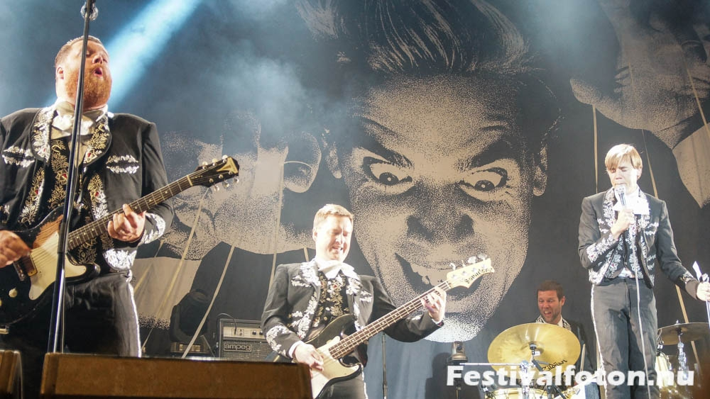 The_Hives-1-10