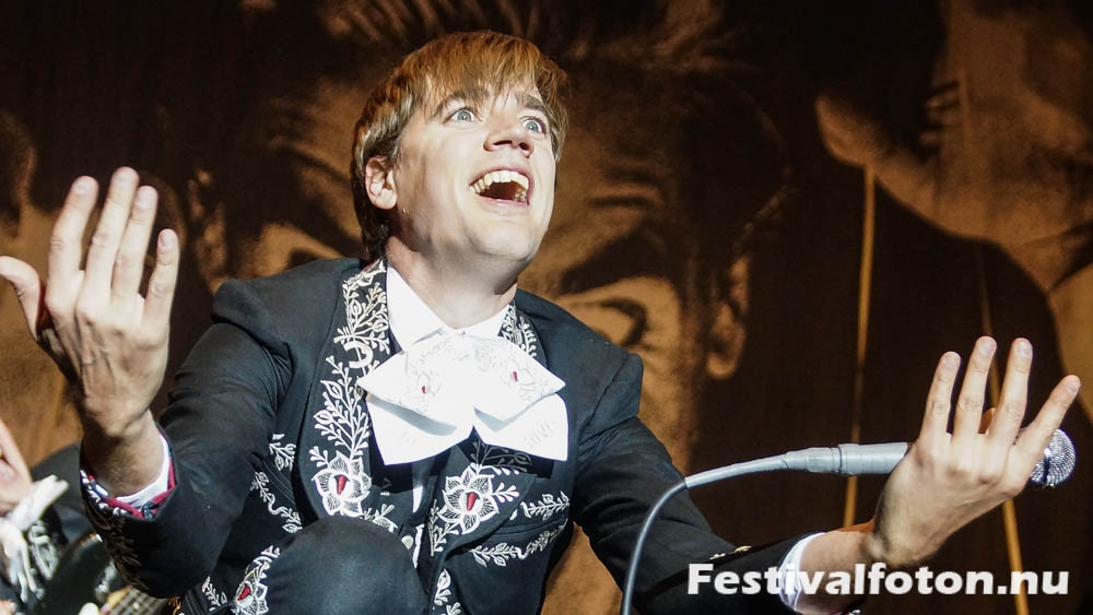 The_Hives-1-2